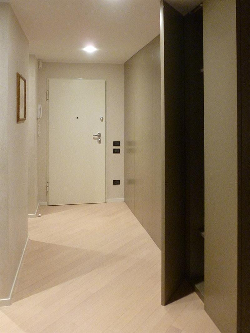 Interventi di interior design e disegno arredi nella casa privata sl house 1 - Altezza porta ingresso ...