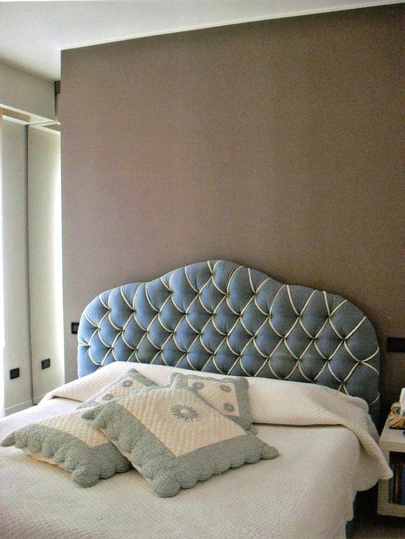Interventi di interior design e disegno arredi nella casa privata sl house 1 - Armadio dietro al letto ...