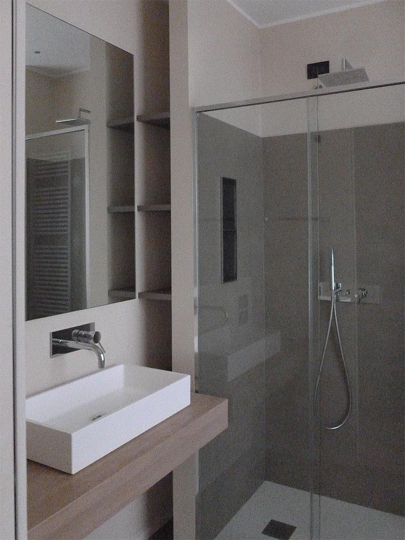 Interventi di interior design e disegno arredi nella casa privata sl house 1 - Finestra nella doccia ...