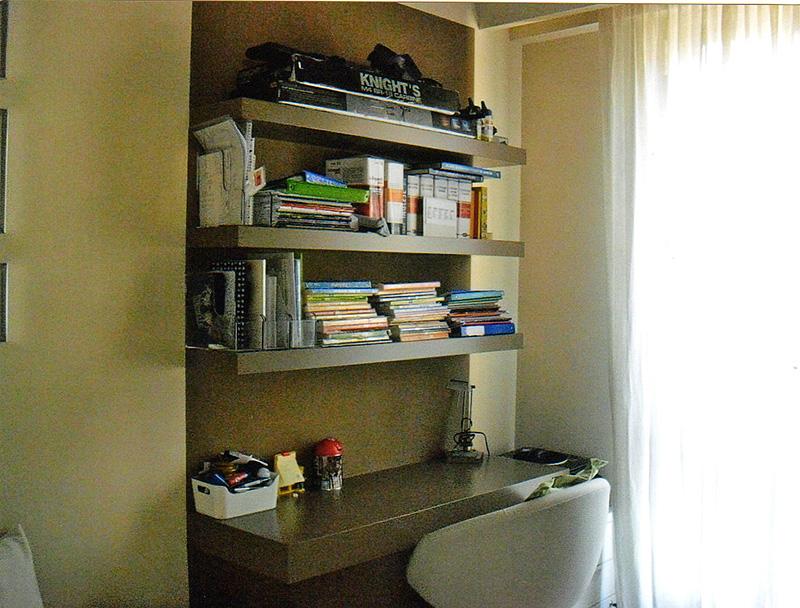 Interventi di interior design e disegno arredi nella casa - Angolo studio in camera da letto ...