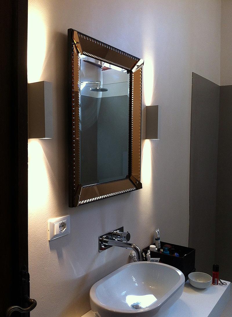 Interventi di interior designe riqualificazione degli for Specchio antico piccolo