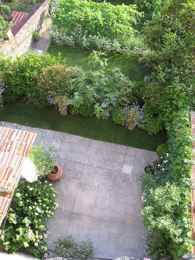 Progettazione outdoor per un giardino in toscana for Giardino in terrazza