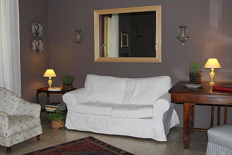 Servizi di home relooking per un nuovo look a un for Mensola sopra letto